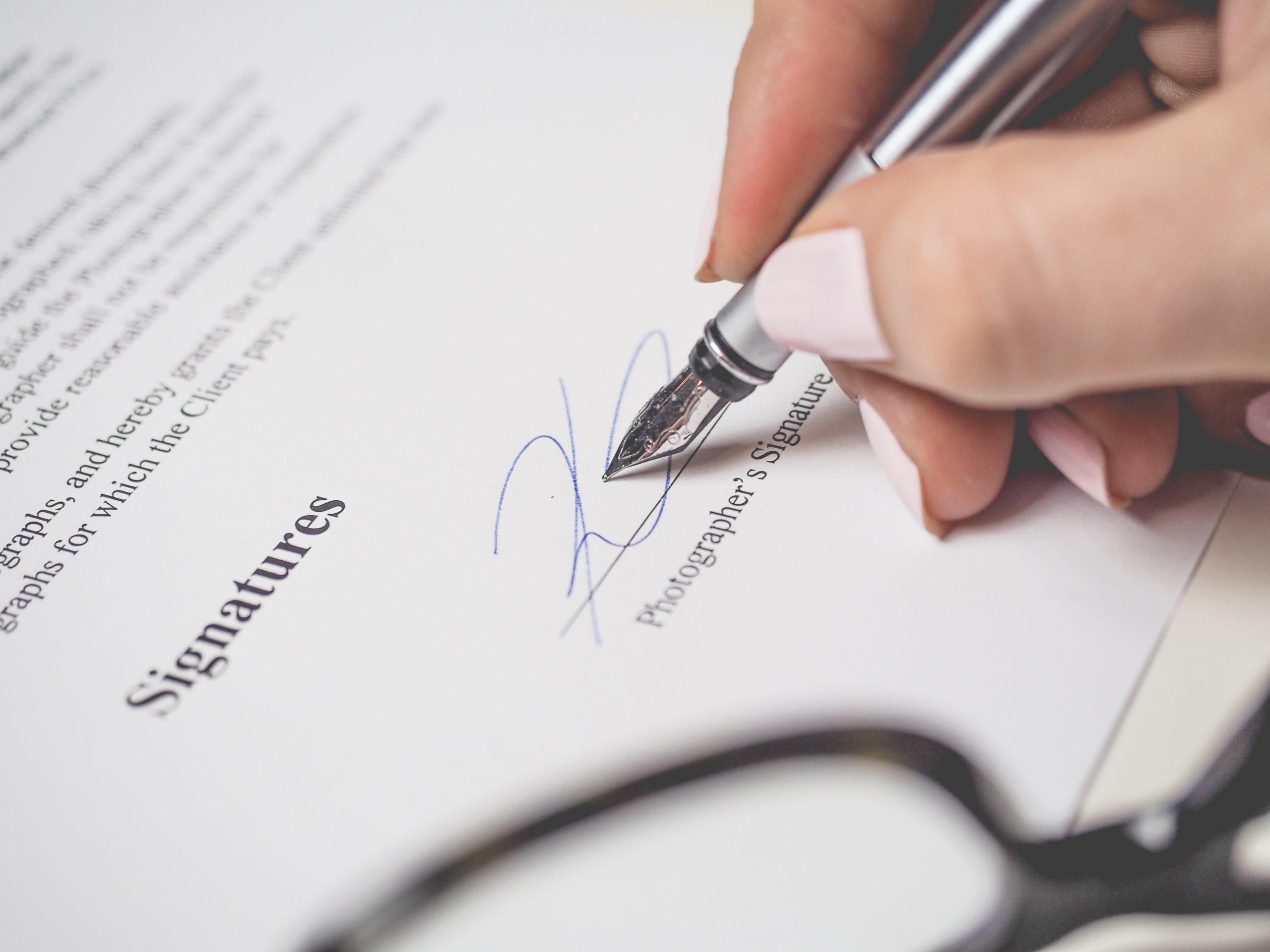 Cómo actuar en caso de incumplimiento de contrato de prestación de servicios